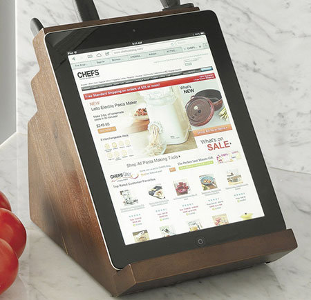 Knife block with iPad stand