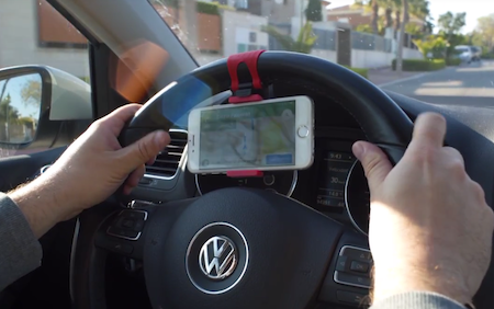 Unitasker Wednesday: Catch & Go steering wheel smartphone holder