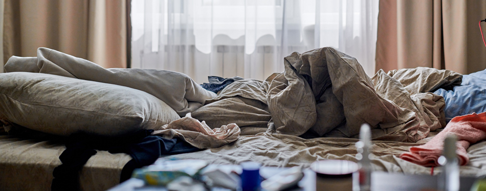 7 Things To Throw Out Of Your Bedroom Right Now