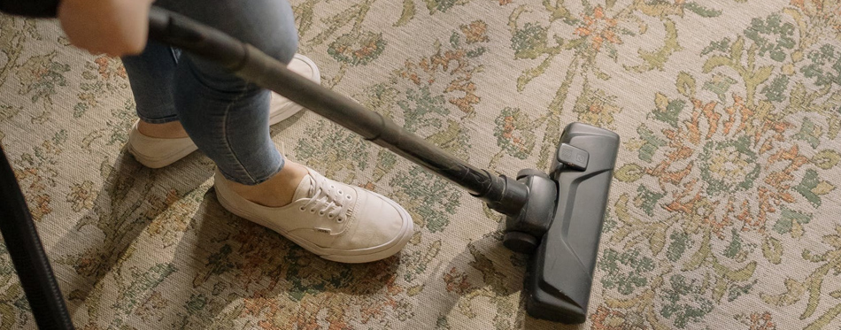 how to vacuum carpets for best results