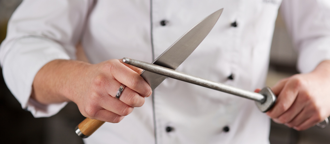 chef sharpening knife
