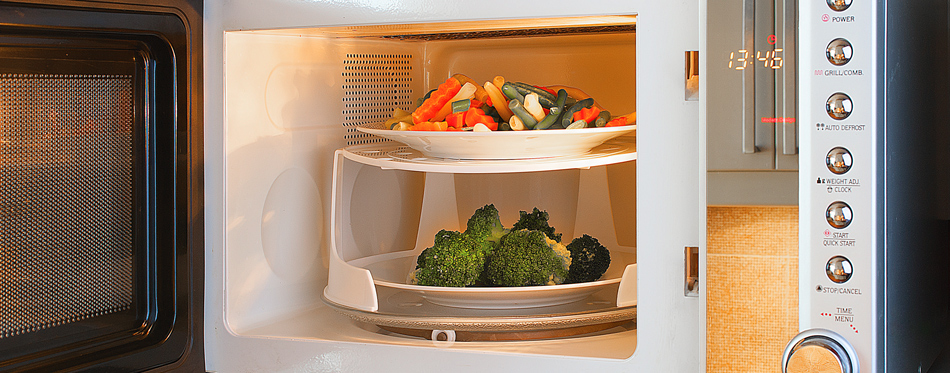 steaming-vegetables-in-microwave