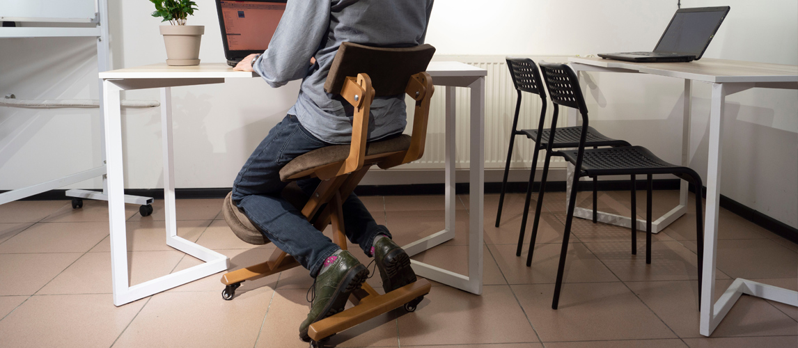 the best kneeling chair