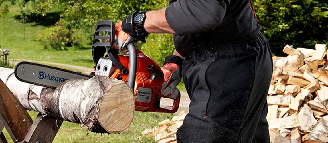 using gas chainsaw